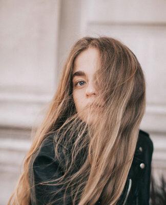 Przedłużanie i zagęszczanie włosów, czyli fryzjerstwo dla wymagających